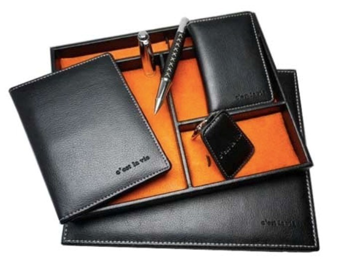 black Leather-Gift-Sets